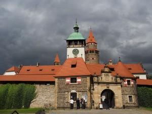 Hrad Bouzov, o který se německý řád dlouhodobě pře se státem.