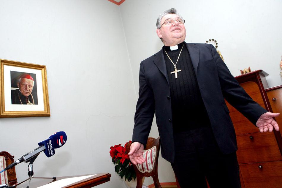 """Dominik Duka po natáčení své """"glosy"""""""