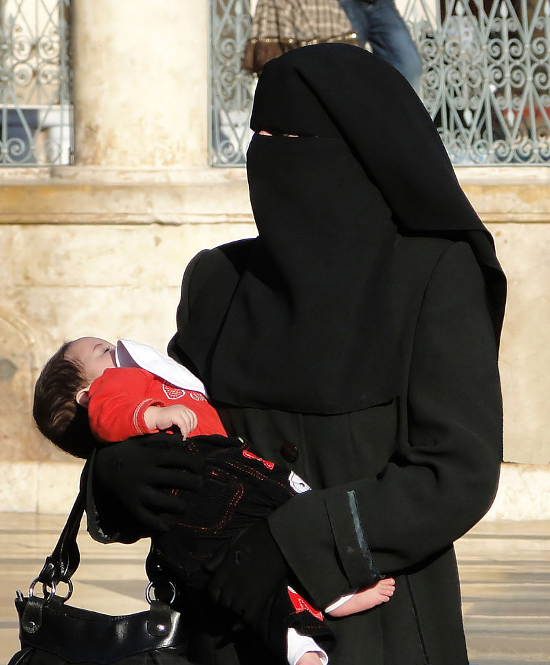 woman_in_niqab_aleppo_2010